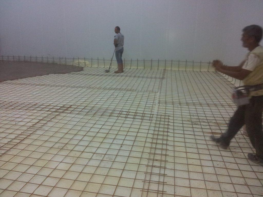 poliüretan sprey ile soğuk hava deposu zemin izolasyonu